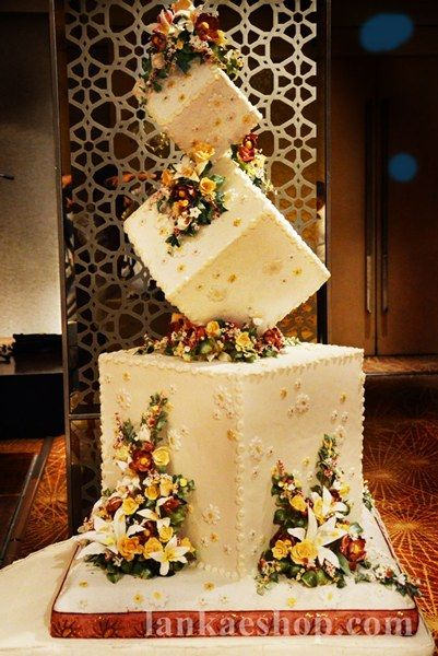 3 Tier Box Type Wedding Cake Structure Maroon Theme Cakes With