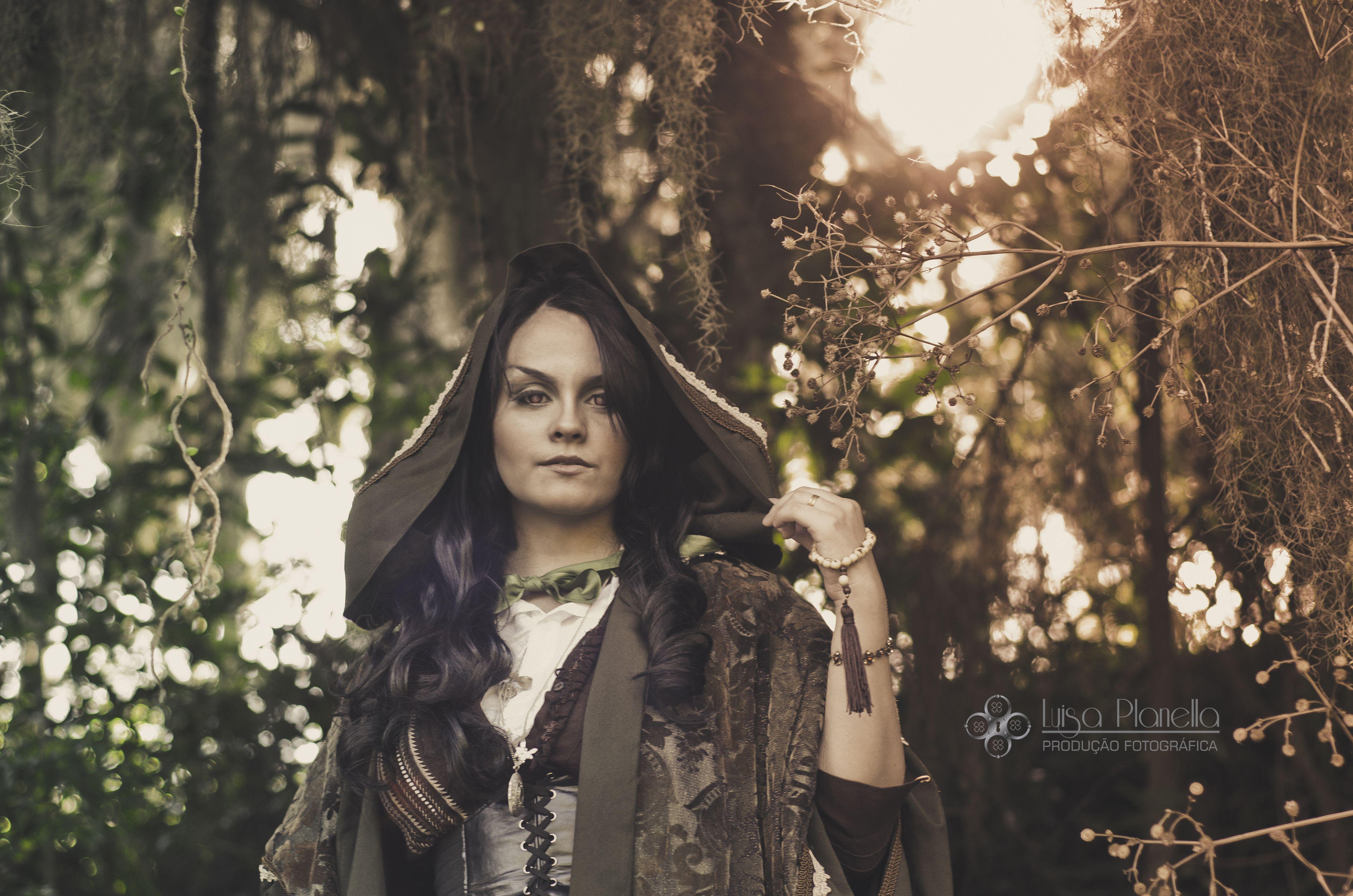 Ensaio Temático Fotografia: Luísa Planella Figurinos e acessórios: Bellas Fantasias e Izzy BD Modelo: Ivy Wylde