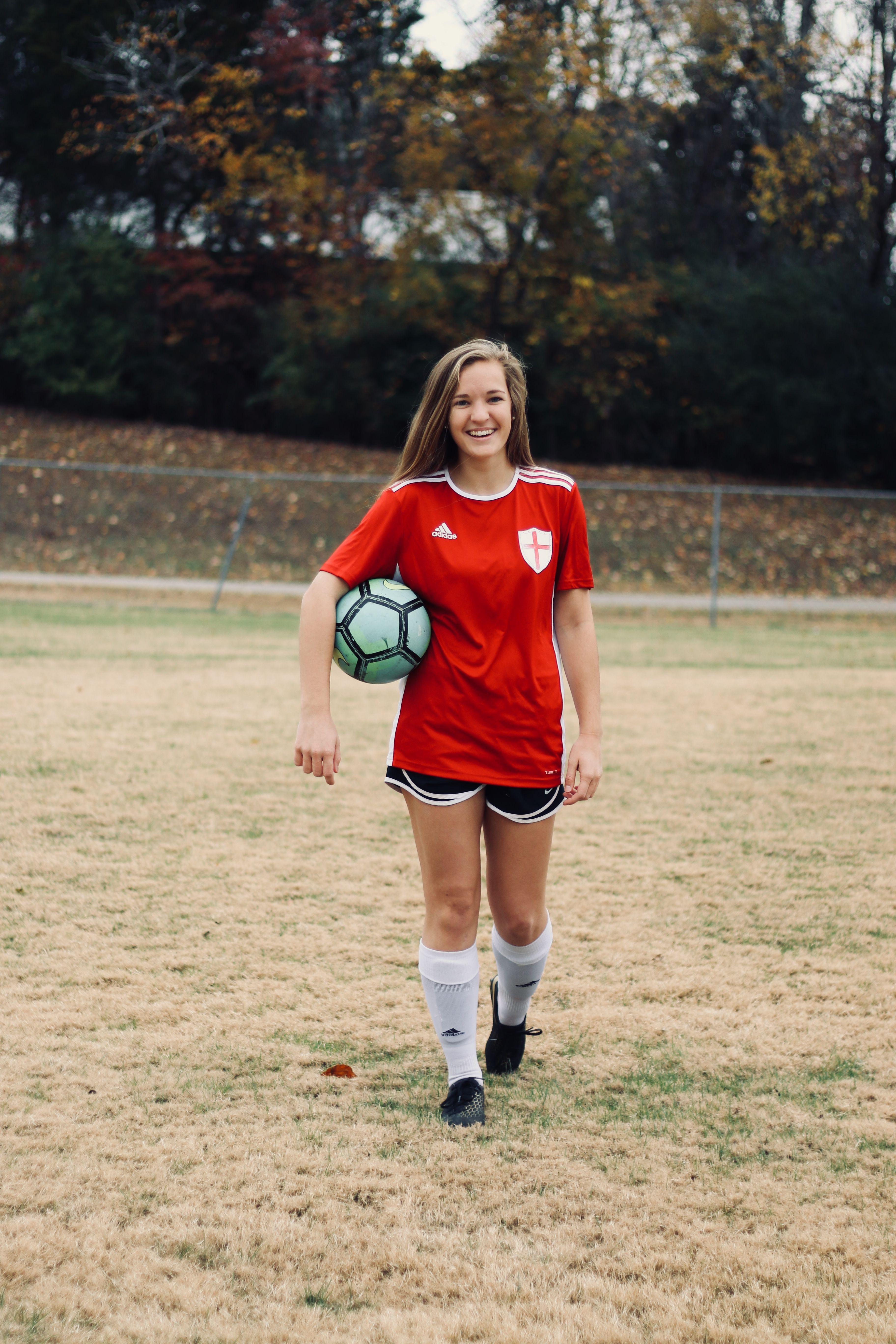 Pin by Lauren Z on soccerrrrr♥️⚽️ Soccer girl, Soccer