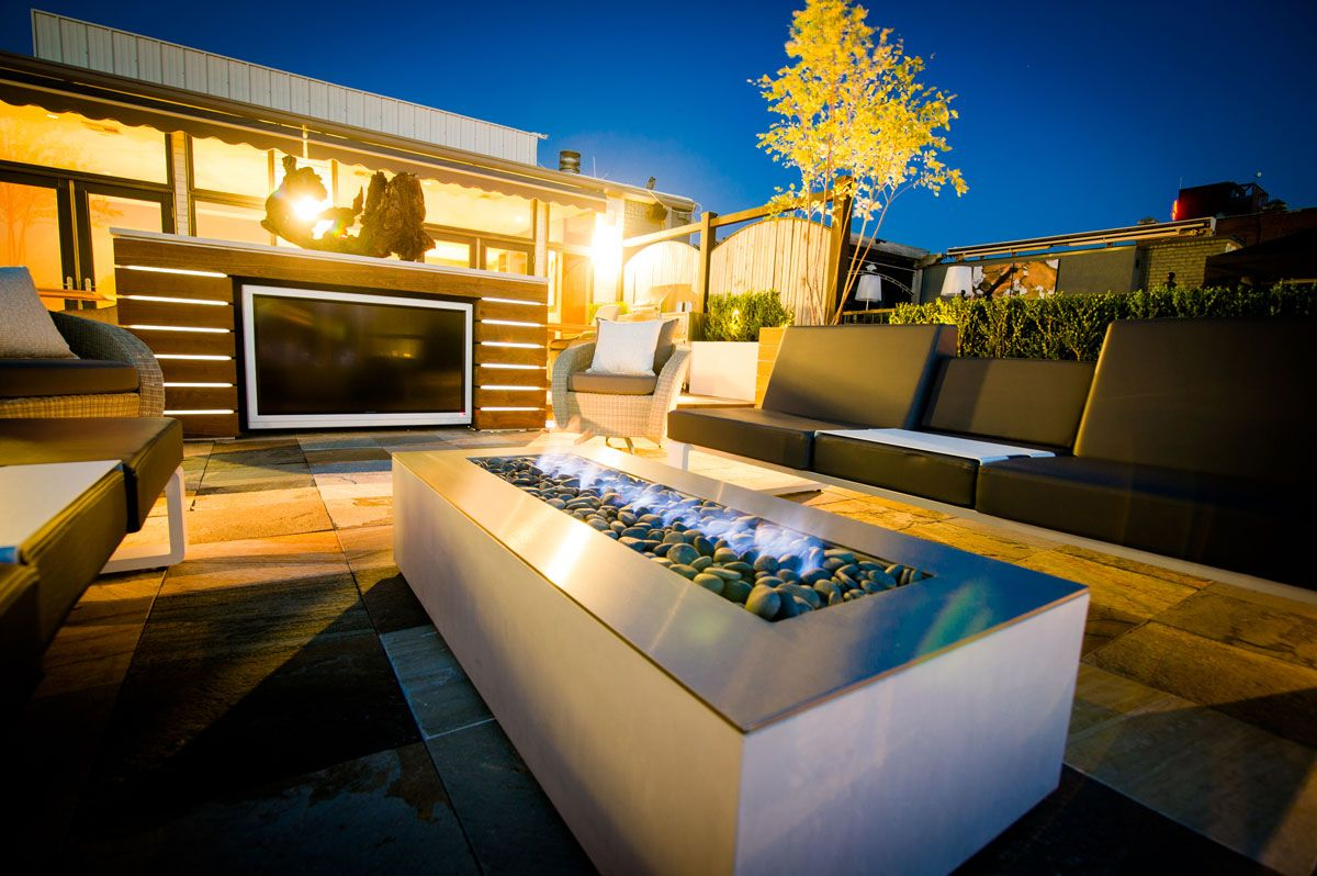 Modern Outdoor Fire Pit Robata linear fire in an - Backyard Fireplace Designs Home Pinterest Backyard Fireplace