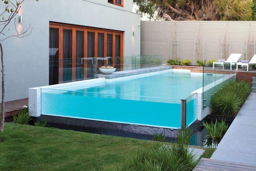 piscina elevada com borda de vidro casa planejamento