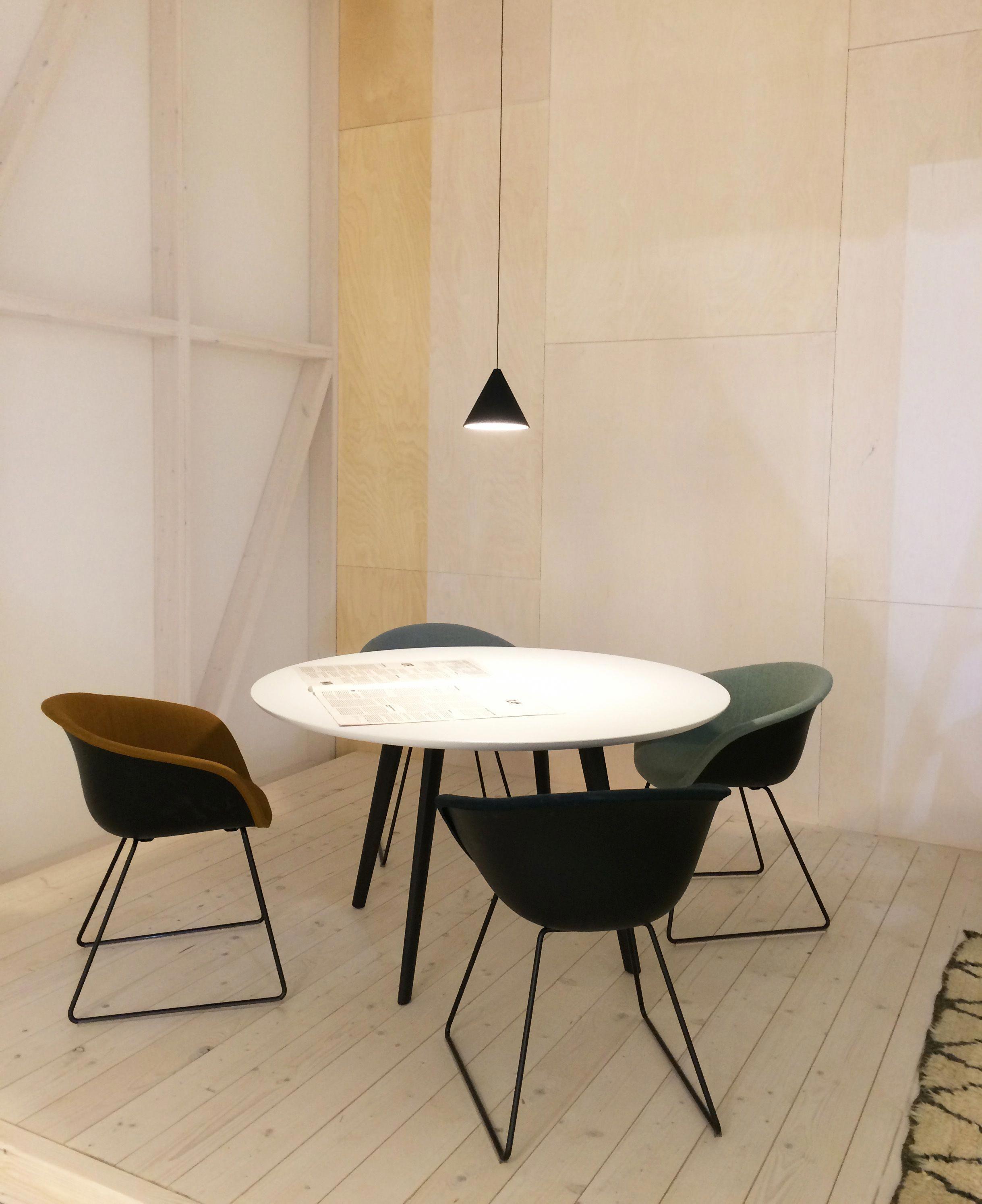 Arper Design Fair I Gher table + Duna 02 chair by lievore