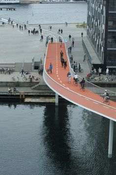 Bicycle Snake, Copenhagen by DISSING+WEITLING Architects. Click image for full profile and visit the slowottawa.ca boards: http://www.pinterest.com/slowottawa/