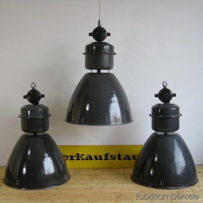 Seltene Grosse Industrielampen Mit Oberteil Und Verteilerdose Aus
