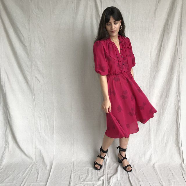 42e60c12079c6 Super cute vintage 80s rosey pink dress. Elastic waistband