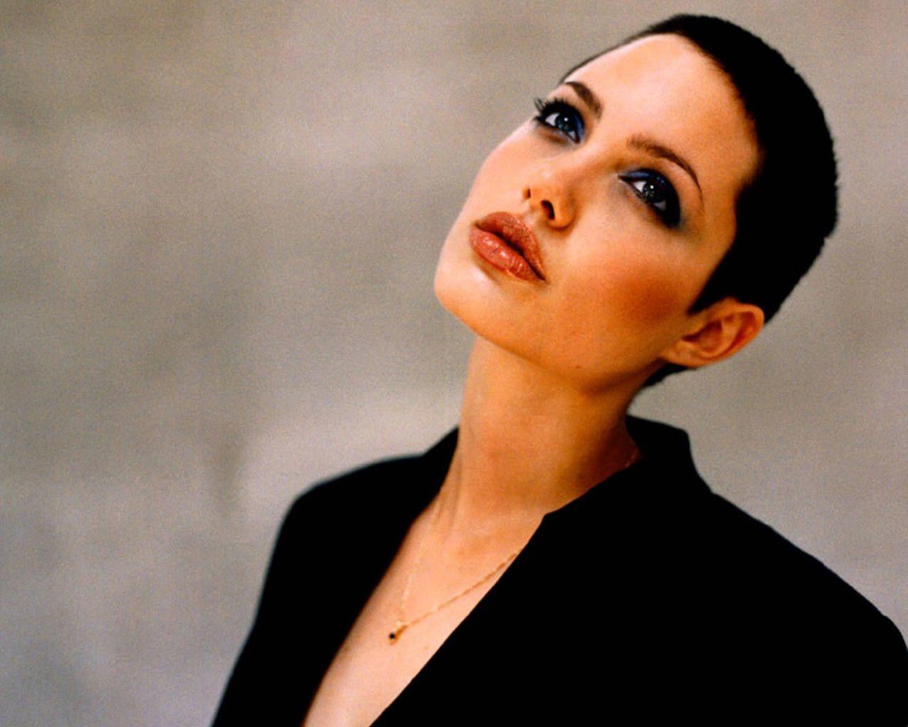 Marvelous 1000 Ideas About Angelina Jolie Short Hair On Pinterest Short Hairstyles For Black Women Fulllsitofus