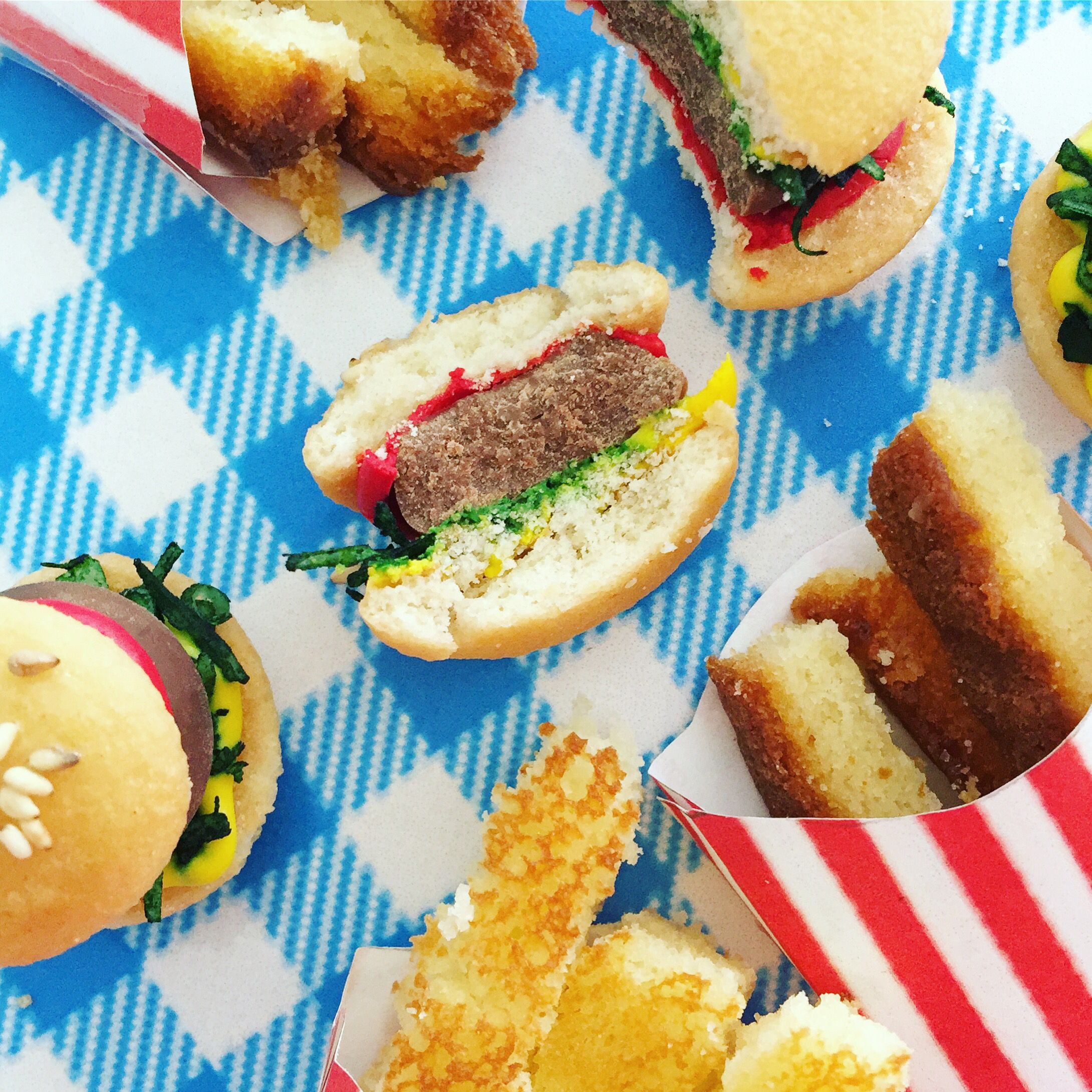 Sweet mini burgers by Cake Bash Studio & Bakery Sherman ...