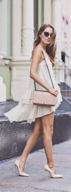 Is there anything better than neutrals on a gorgeous tan?