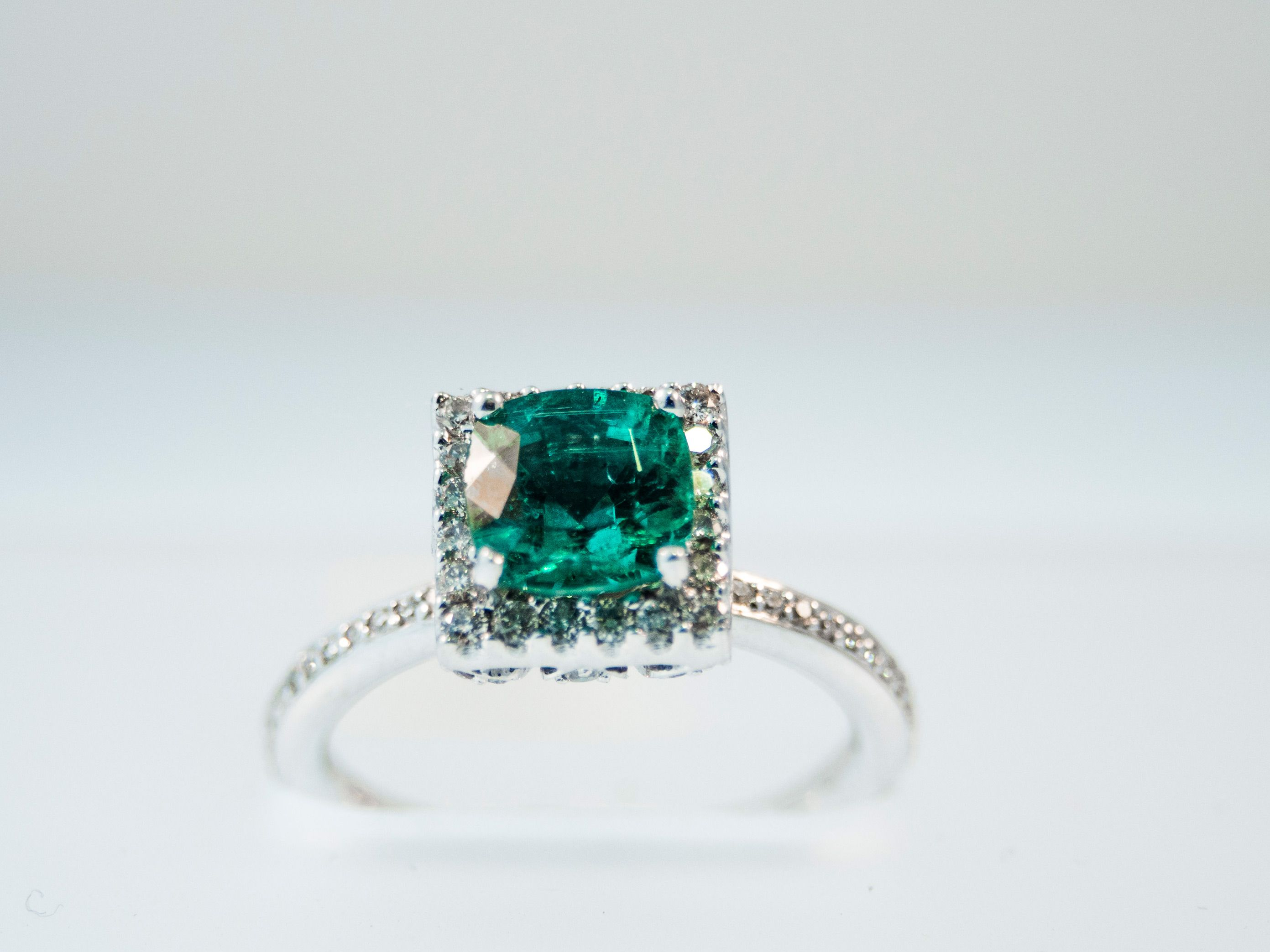 Emerald is the #birthstone for #may and for commemorating the 20th