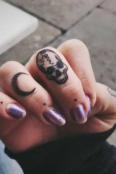 Skull Finger Tattoos : skull, finger, tattoos, Skull, Tattoos, Females, Finger, Tattoos,, Tattoo,