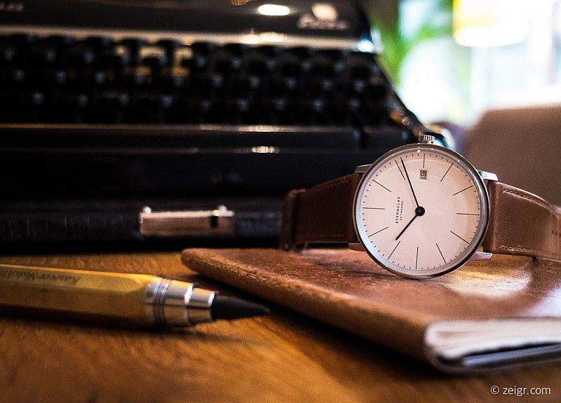 Sternglas Zeitmesser erschwingliche Uhr im Bauhaus