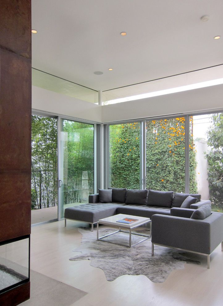 modern chairs for living room%0A Venice Transformation  modern  living room  los angeles  TPA  Architecture  Inc