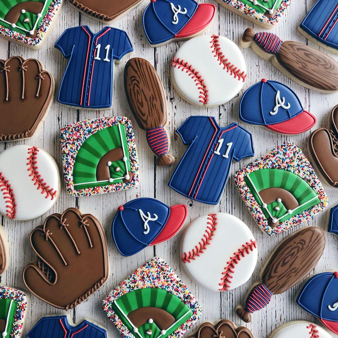 Prodolzhaem Temu Sedobnyh Priznanij V Lyubvi Pryanichnye Valentinki 12sm V Nalichii Zakaz P Atlanta Braves Cake Baseball Theme Birthday Baseball Birthday Cakes
