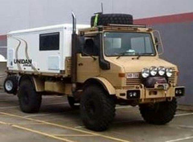 Unimog Camper Transporte