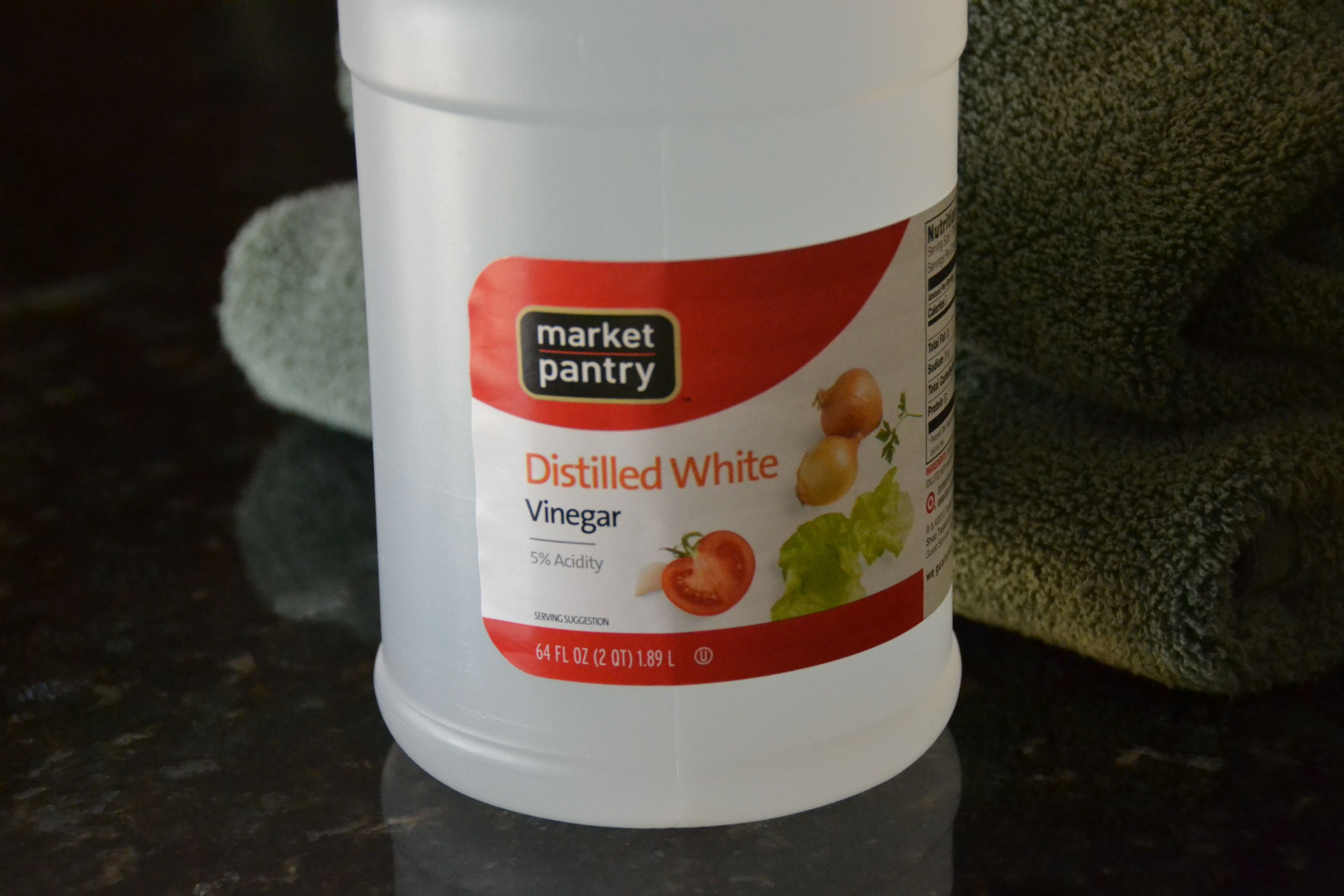 CLEANING HACK – WHITE VINEGAR TO GET RID OF THAT MILDEW ...