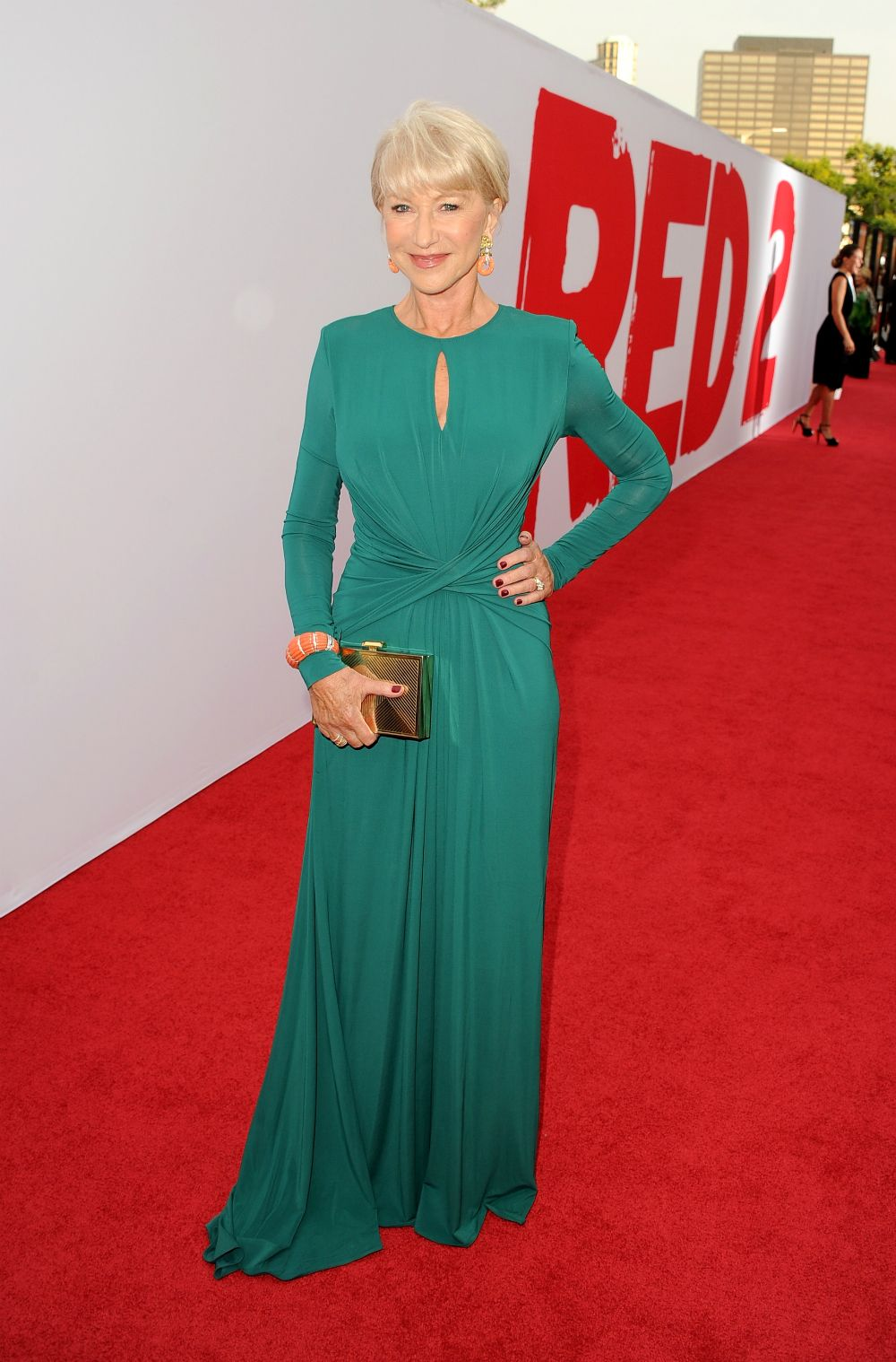 Red 2 Premiere PHOTOS   Helen Mirren Hot   Mary Louise Parker   Styleite