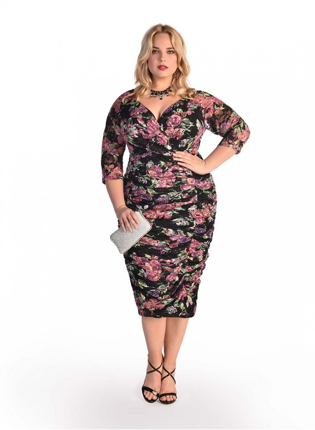 Phillippa Dress In Floral Print Model Wearing Size 12 Height 5 8 Shape Hourglass Plus Size Outfits Plus Size Fashion Dresses [ 1440 x 1056 Pixel ]