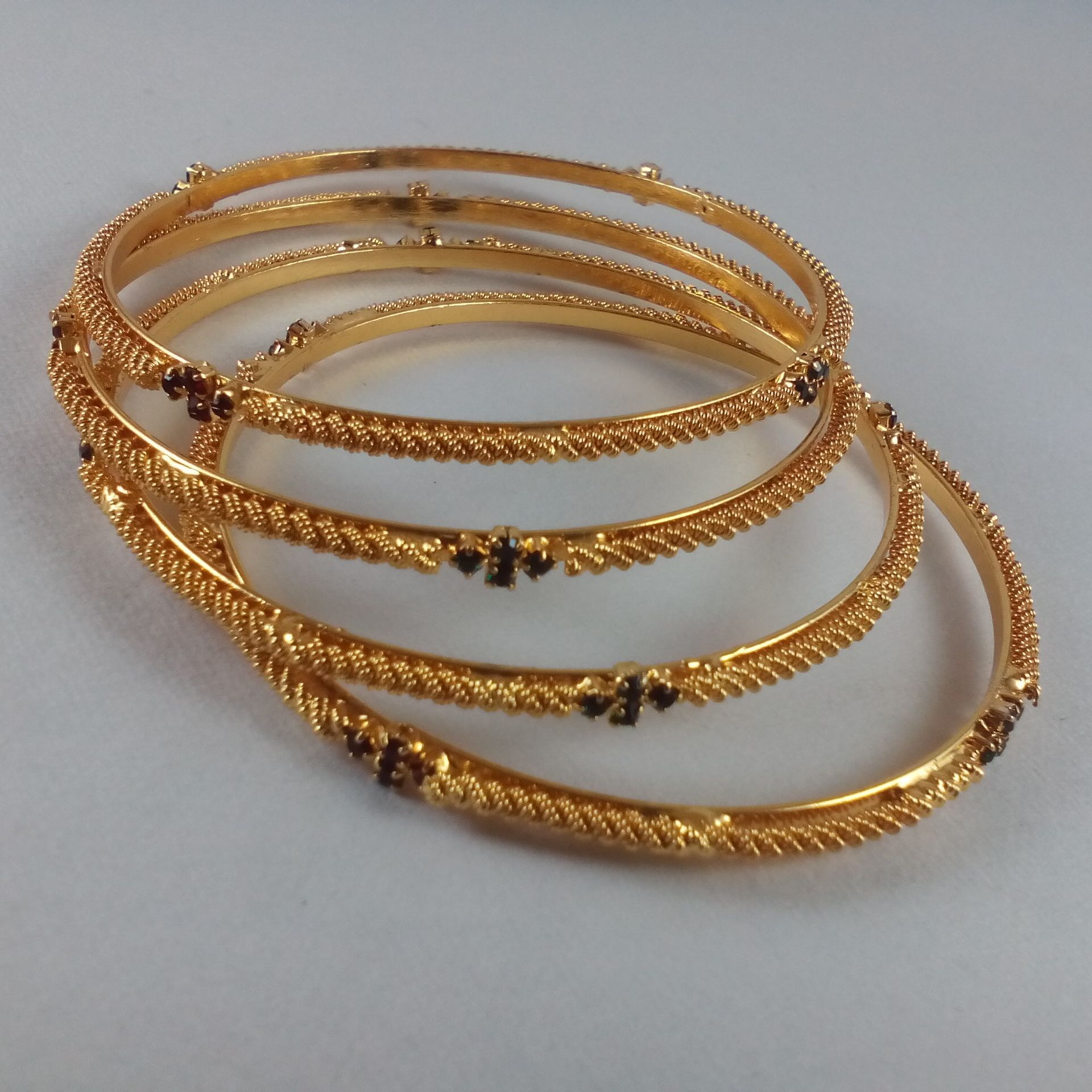 Gold set designs