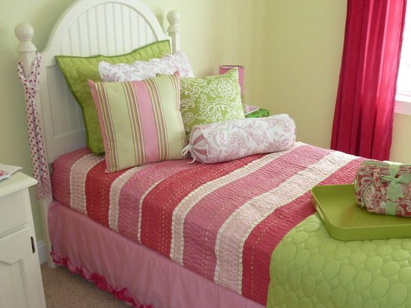 Girls Bedroom Ideas with Pink Colorful Bedding Set - Home Interior Design - 28892