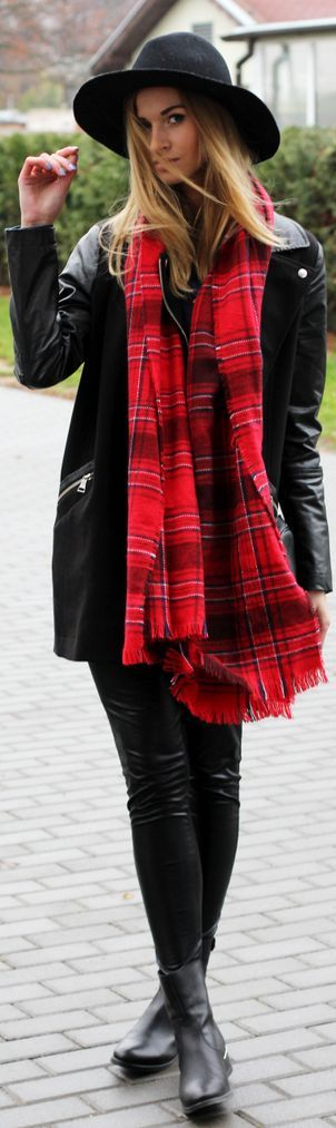 #Black&red