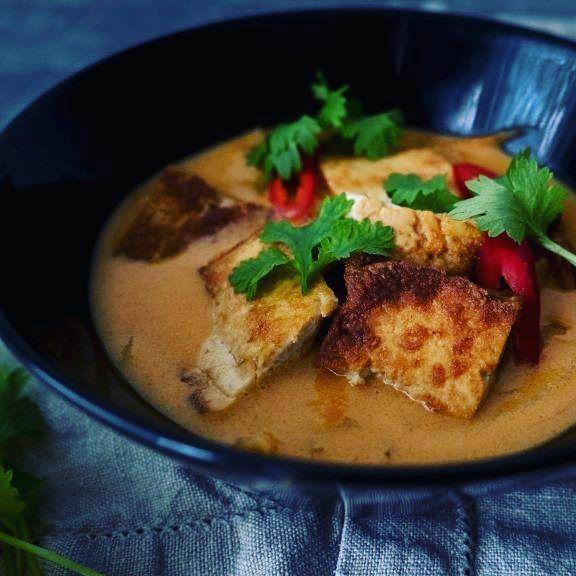 http://ift.tt/2xZRRnE lämmintä tofucurryä saa koko kehon hereille. Tässä olisi siis #lihatonlokakuu kelpoinen resepti  Miten sinä saat tofun maistumaan?