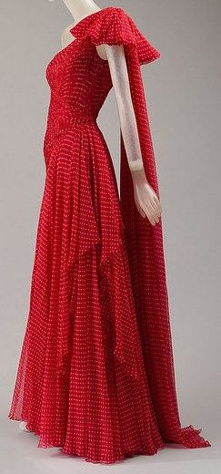 red gown valentino 1984