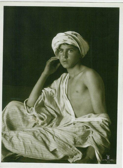 """Garçon de Tunis"" c.1900, Rudolf Lehnert and Landrock #Tunis #boy #Lehnert"