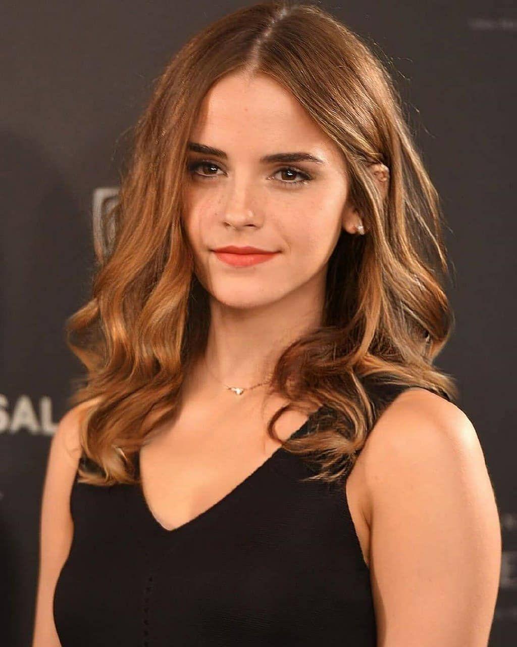 Emma Watson In 2020 Emma Watson Hair Emma Watson Hair Color Emma Watson Makeup