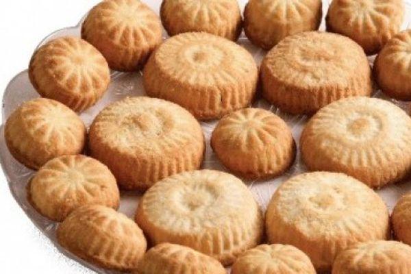 المعمول بطريقه جديدة وحلوة Sweet Pastries Arabic Sweets Arabic Food