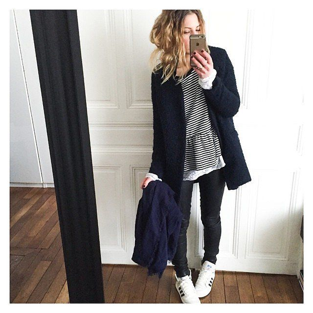 27 Real-Girl Mirror Selfies That Inspired Our Next-Day Outfit | Girls mirror Mirror selfies and ...