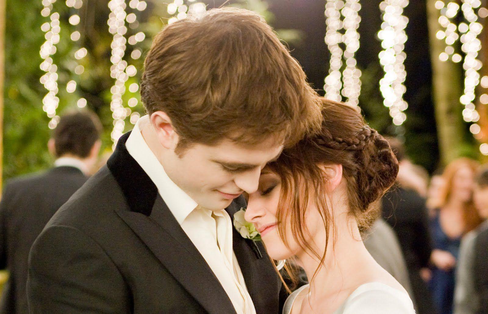Side View Of Bella S Wedding Hair In Twilight Breaking Dawn Part 1