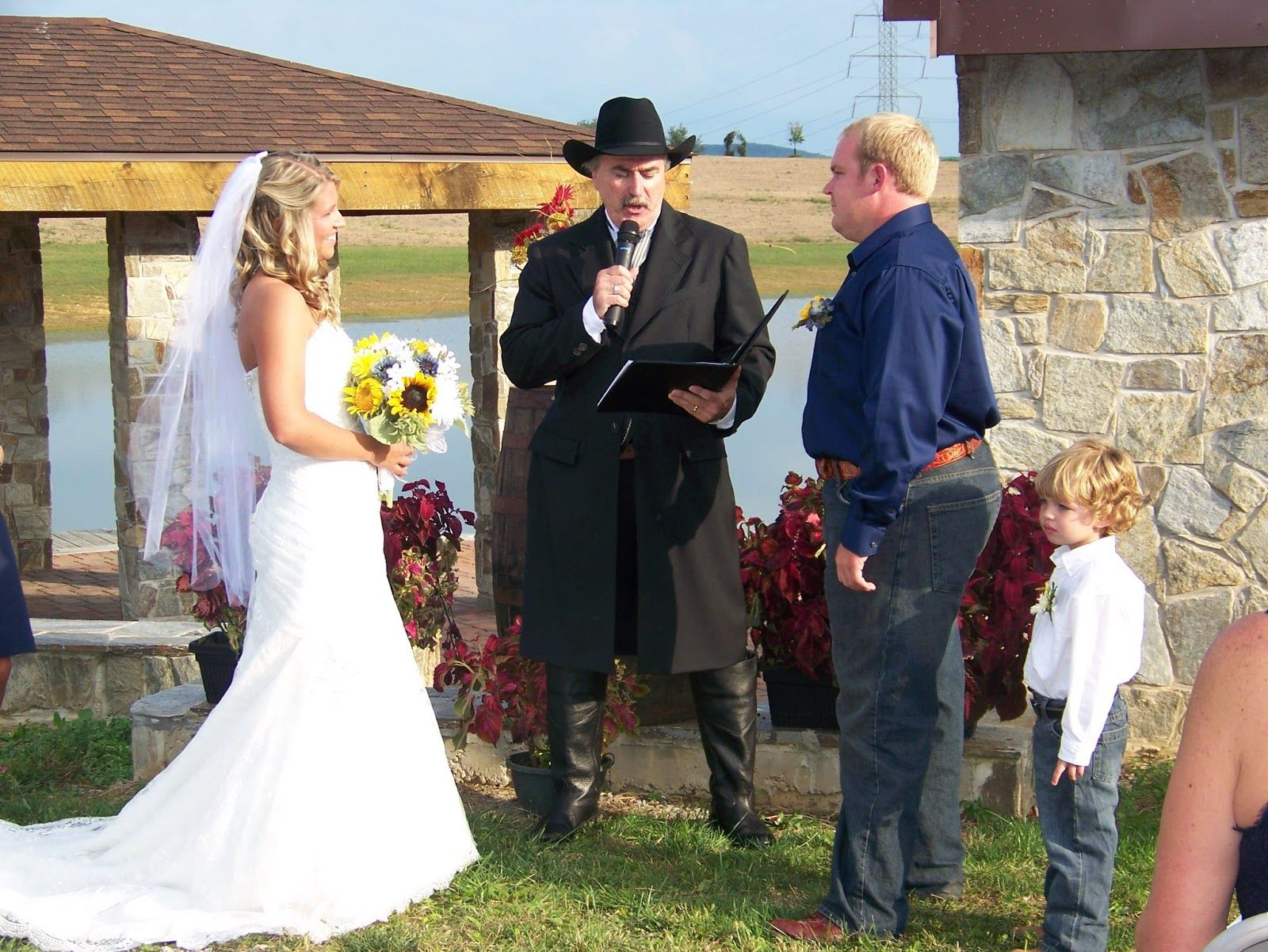 Wedding Officiant Bruce Kelly My Nephew Dave And His Beautiful Wife Kristi Had A Western