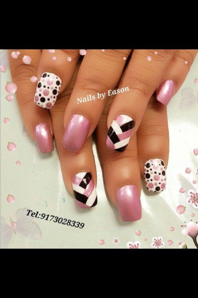 POLKA DOT nails, nail art! How cute with pink and black polish | unas | short gel and acrylic nail ideas