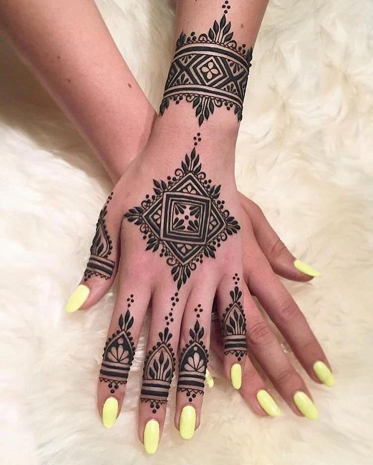 Tatouage henné : les designs envoûtants que vous devez absolument ...