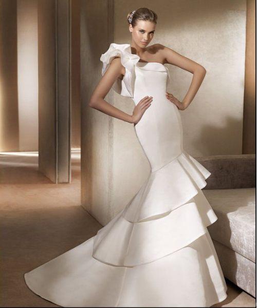 Brilliant Trumpet Mermaid One Shoulder Floor Length Court Train Tiered Wedding Dresses