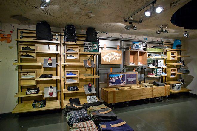 vans store | Shoe store design, Retail interior, Vans store