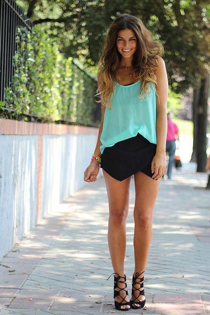 Top: Fashion Gatsby-Buylevard (SS 13)  Falda y sandalias/Skirt and sandals: Zara (SS 13)  Pulseras/Bracelets: Pulseras Carolinas (SS 13)  Collares/Necklaces: Dime que me Quieres (SS 13)