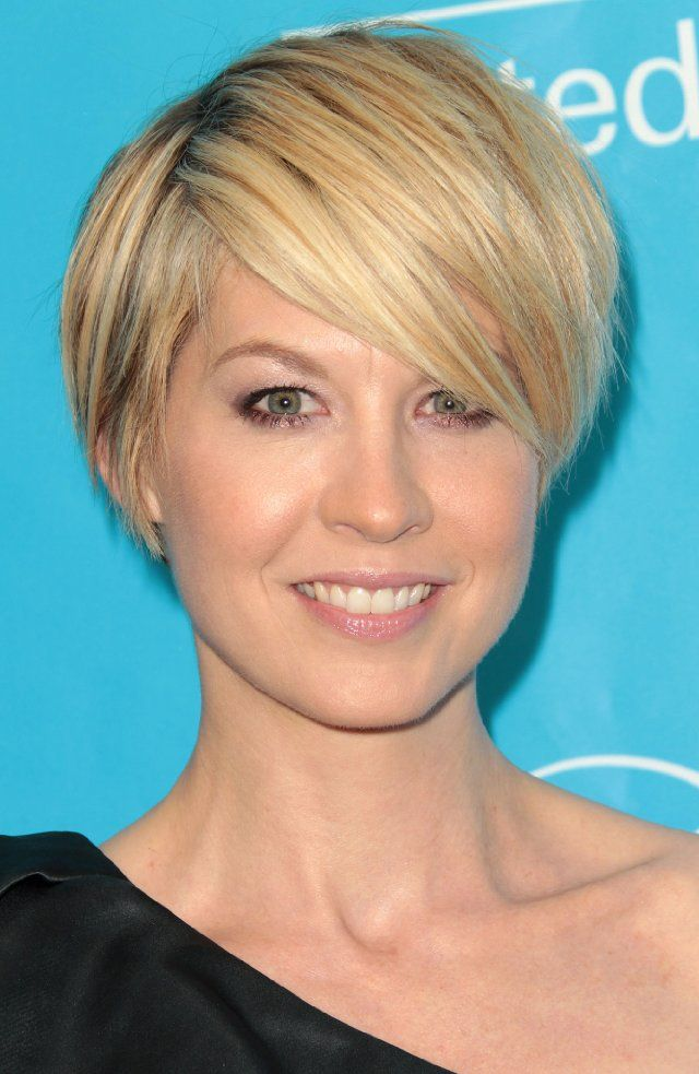 Jenna Elfman's great hair cut