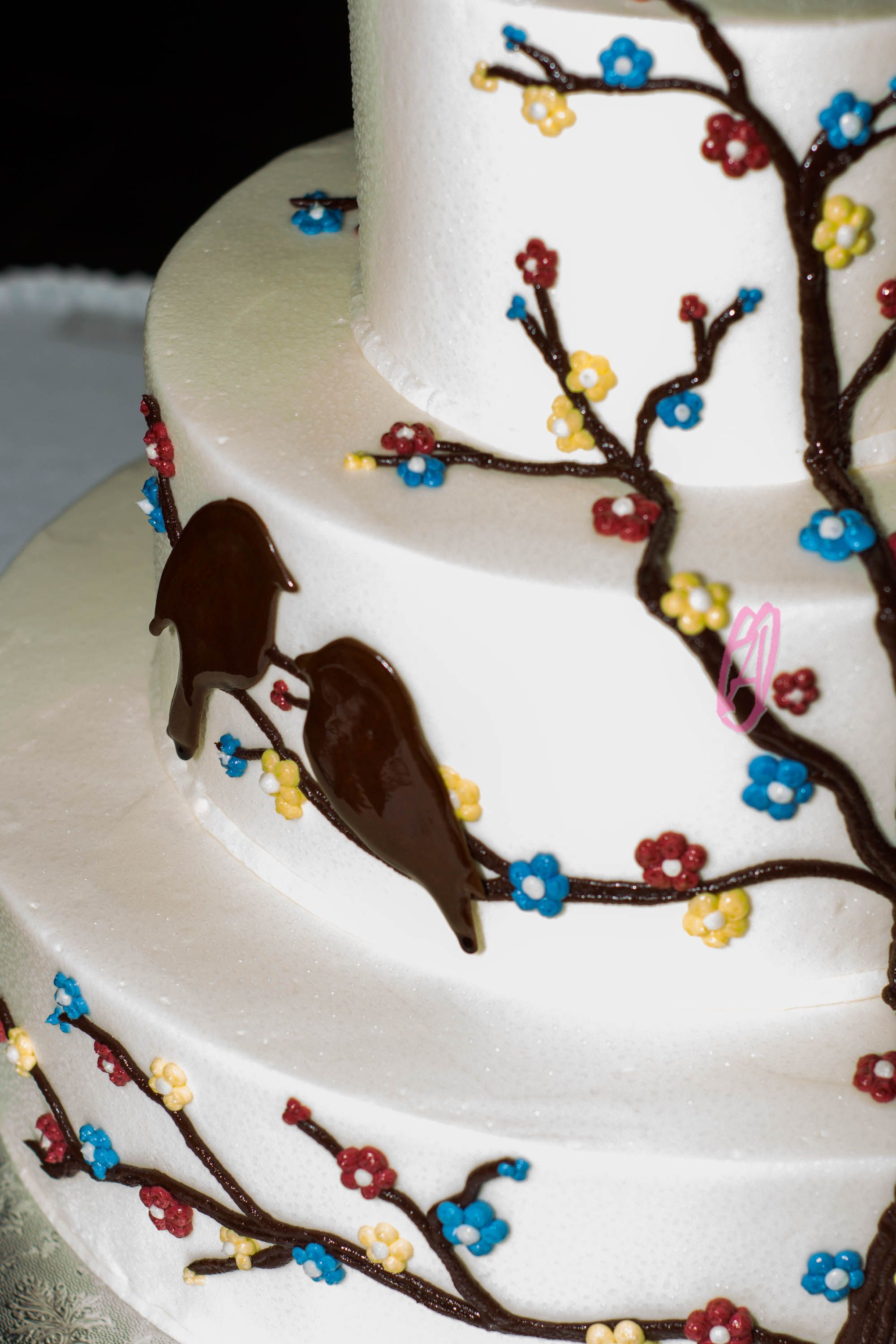 Bird themed wedding cake. two love birds together AmandaObara.com ...
