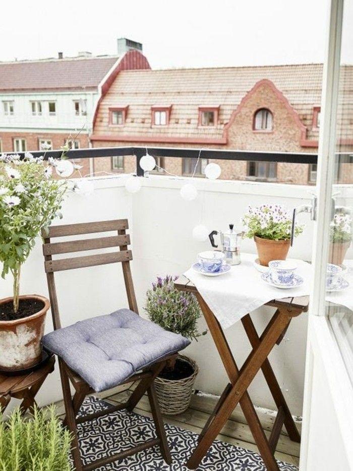1001 conseils pratiques pour am nager un petit balcon petits balcons nappe blanche et. Black Bedroom Furniture Sets. Home Design Ideas