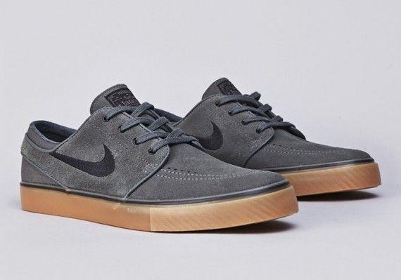 Nike Stefan Janoski Gris Foncé De Base à prix réduit nouveau débouché X3tpZm