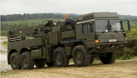 Military Wrecker Recovery Vehicle in Damaged Trucks for Sale