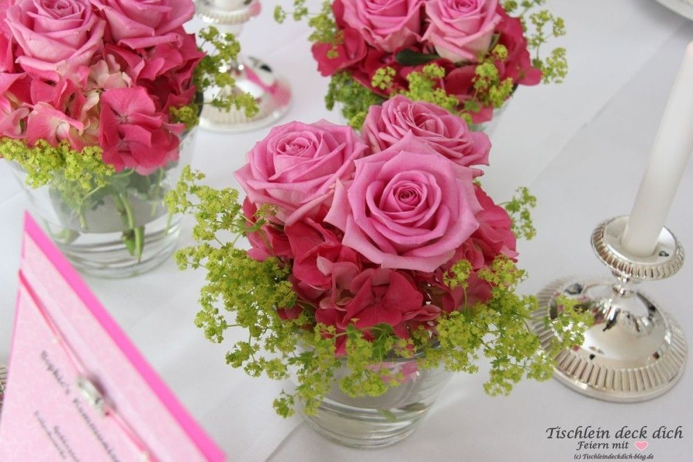 Kommunionsfeier Fur Ein Madchen Festlich In Rosa Und Pink Blumengestecke Deko Konfirmation Tischdeko Kommunion