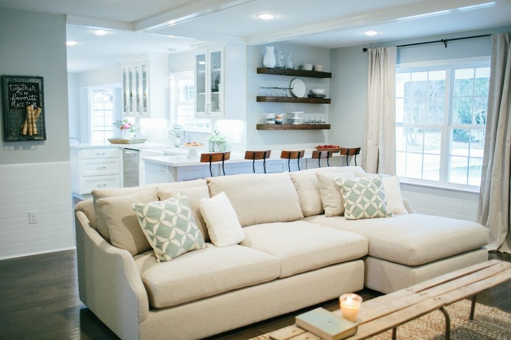 Love this couch from fixer upper dream home interior for Upper living room designs