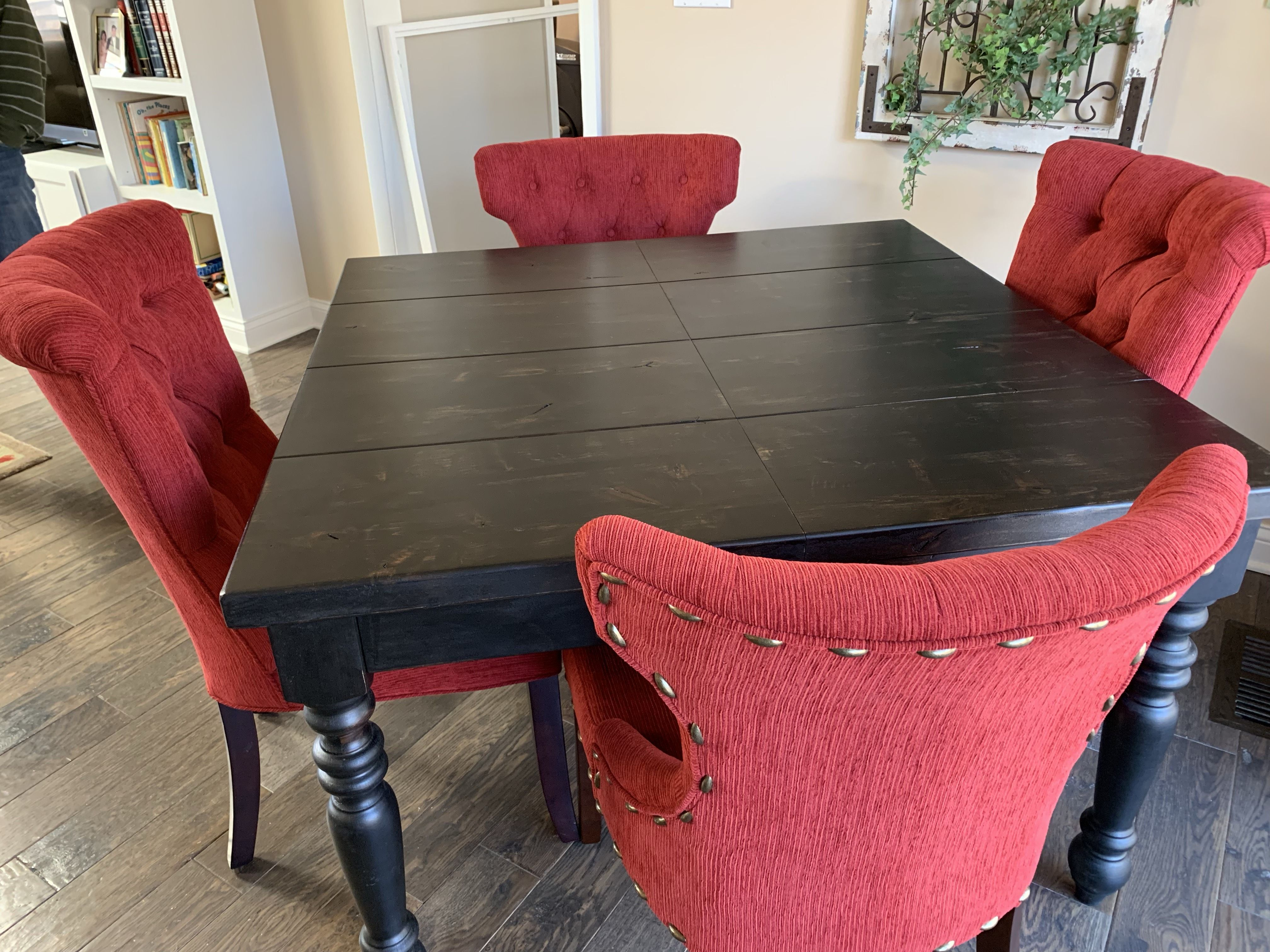 Expandable country french turned leg table with images