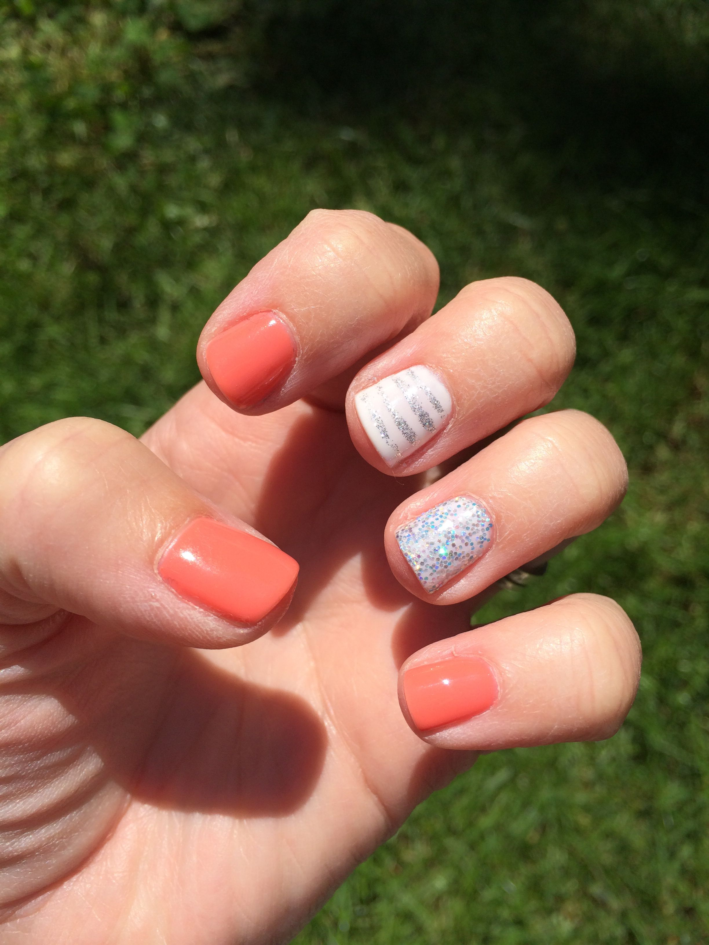 Coral white and sparkles all diy with my shellac kit at home all diy with my shellac kit at home solutioingenieria Choice Image