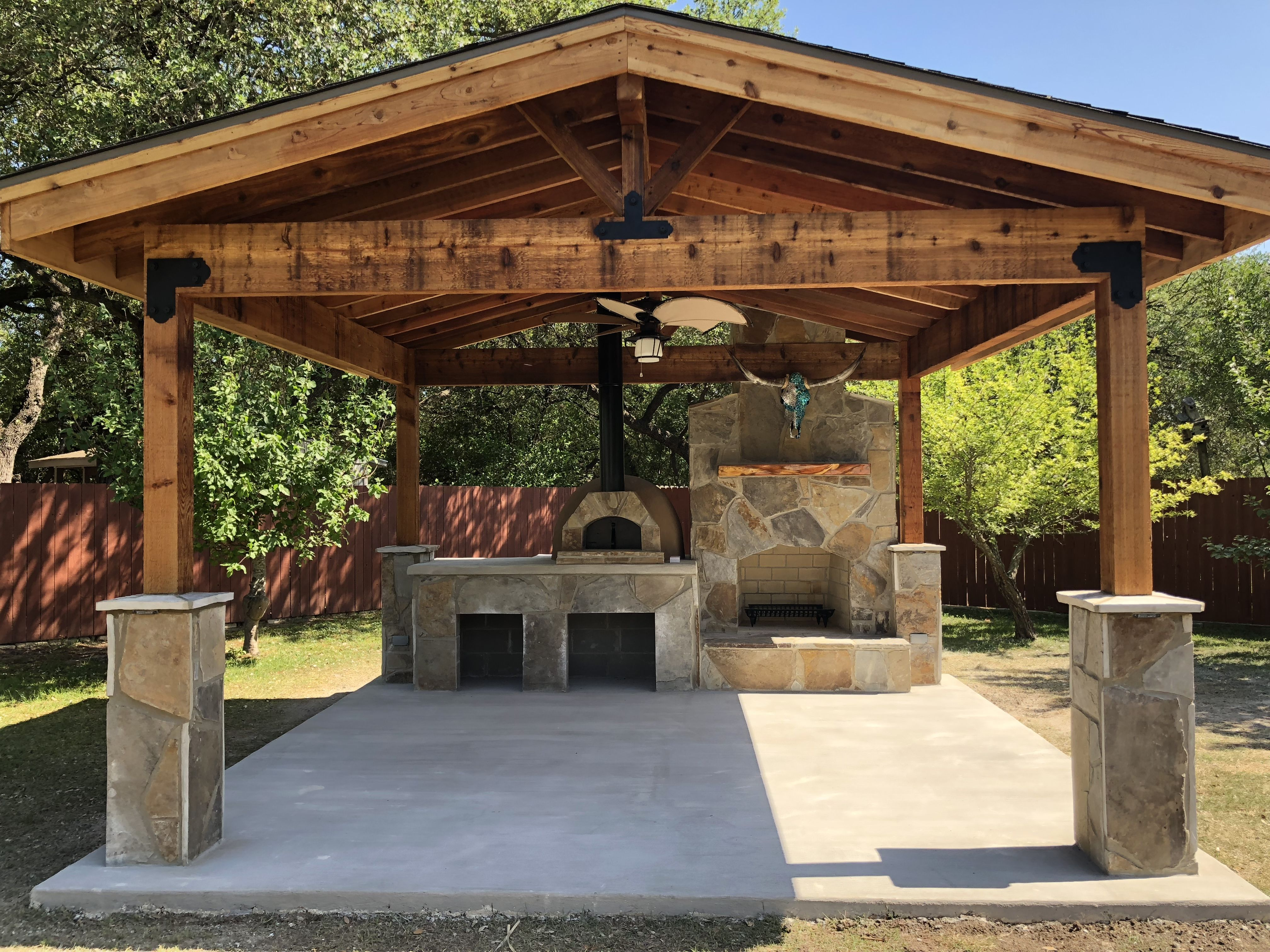 16x16 Pad With Fireplace And Forno Bravo Casa 80 Pizza Oven And Cedar Pavilion Backyard Pavilion Backyard Patio Designs Outdoor Kitchen Patio
