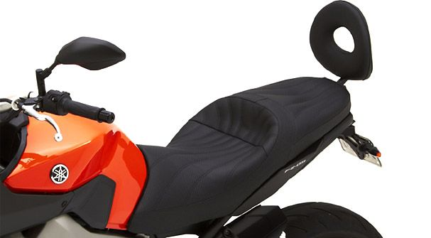 NEW FROM CORBIN..........Gunfighter & Lady saddle for 2014 Yamaha FZ-09 http://buff.ly/1mRUKMb