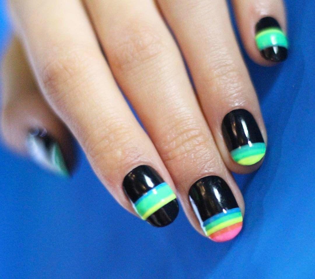 [#유니스텔라트랜드👄] #오늘네일뭐하지? #네온사인네일 #프렌치네일 #유니크네일 #레인보우네일 #네온사인 처럼 #반짝반짝✨ #unistella #daily_unistella #daily_uninails #neonsignnails #frenchnails #uniquenils #rainbownails #NOTD💅🏻 ✔유니스텔라 내의 모든 이미지를 사용하실때 사전 동의, 출처 꼭 밝혀주세요❤