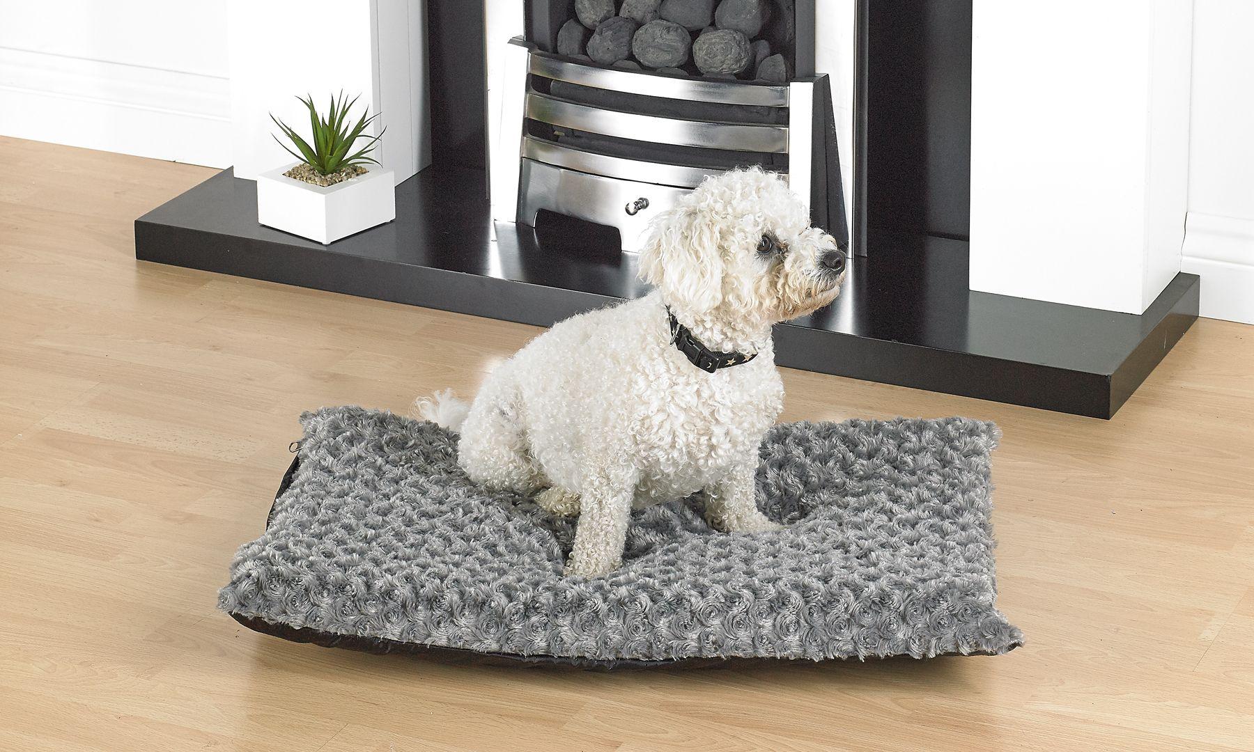 Washable Rose Fur Medium Dog Beds With Anti Slip Base In